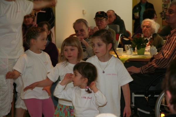Samstag Tanzauftritt mit den Little Stars